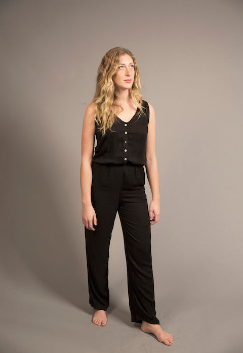 TAILORED JUMPSUIT - WHITE OR BLACK