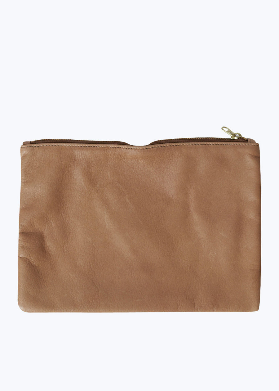Saddle Leather Medium Flat Pouch