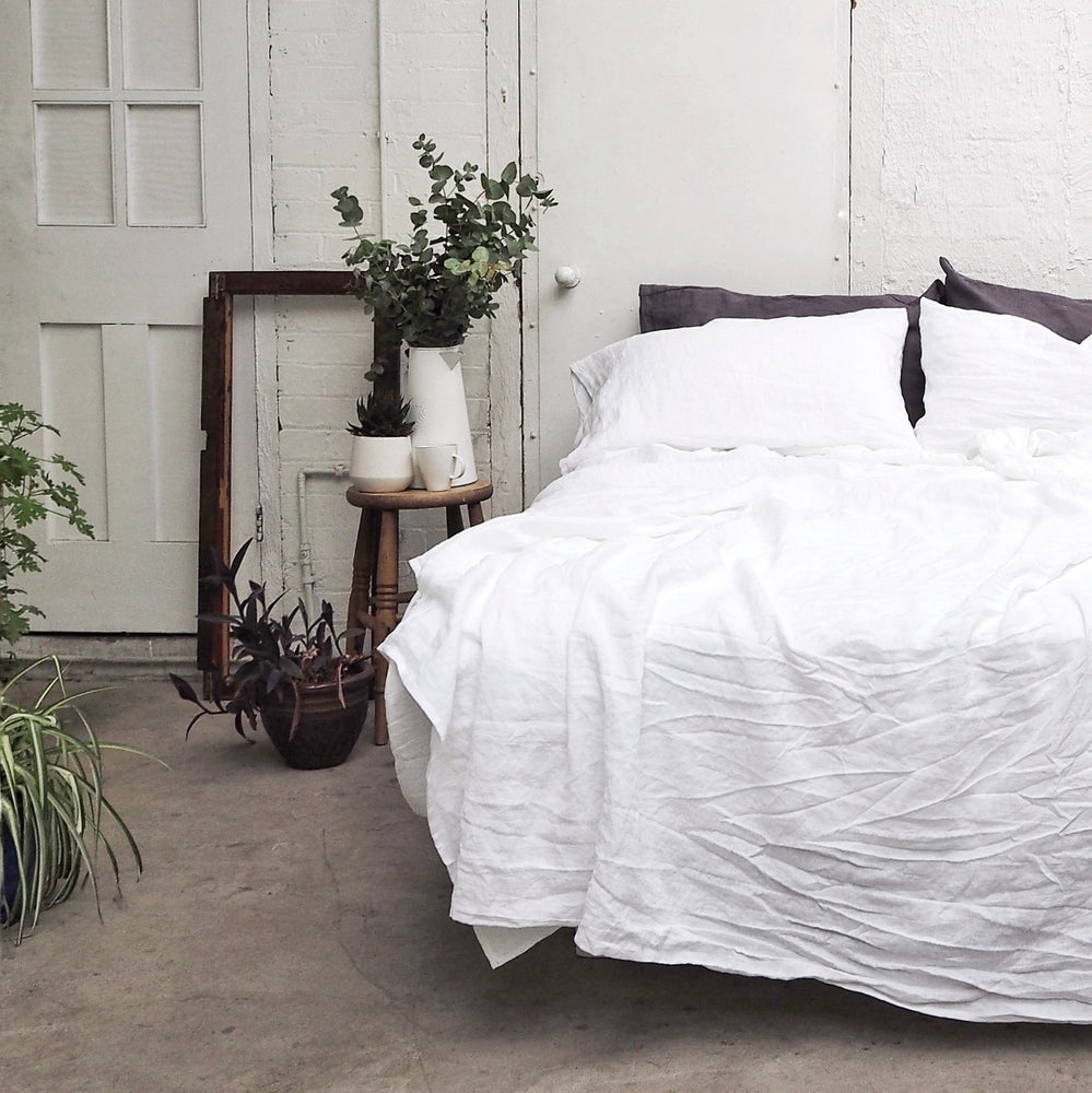 White Linen Flat Sheet - Piglet in Bed