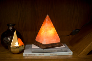 10 Reasons To Have A Himalayan Salt Lamp in your House