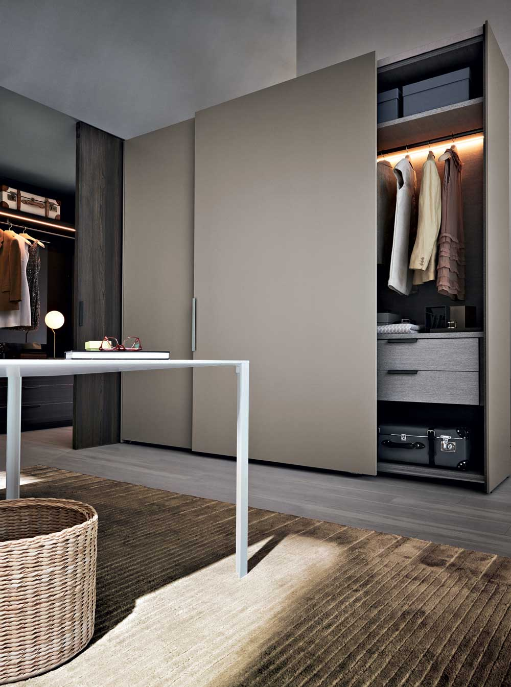 Molteni&C Gliss Master Closet by Vincent Van Duysen