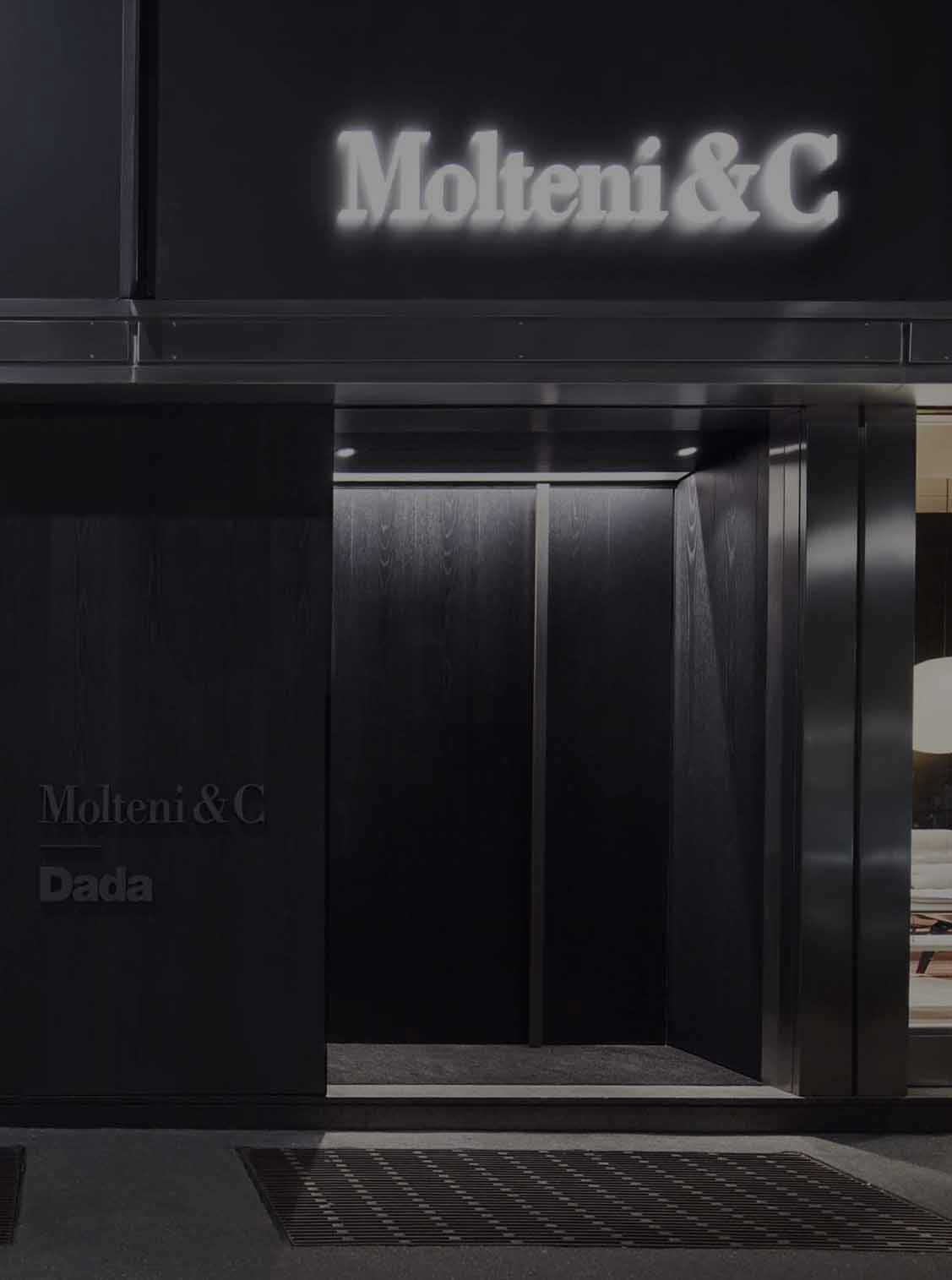 Molteni&C Furniture Showroom