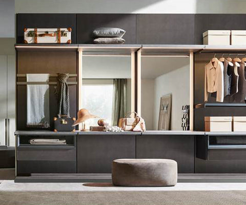 Master Dressing Walk-in Closet