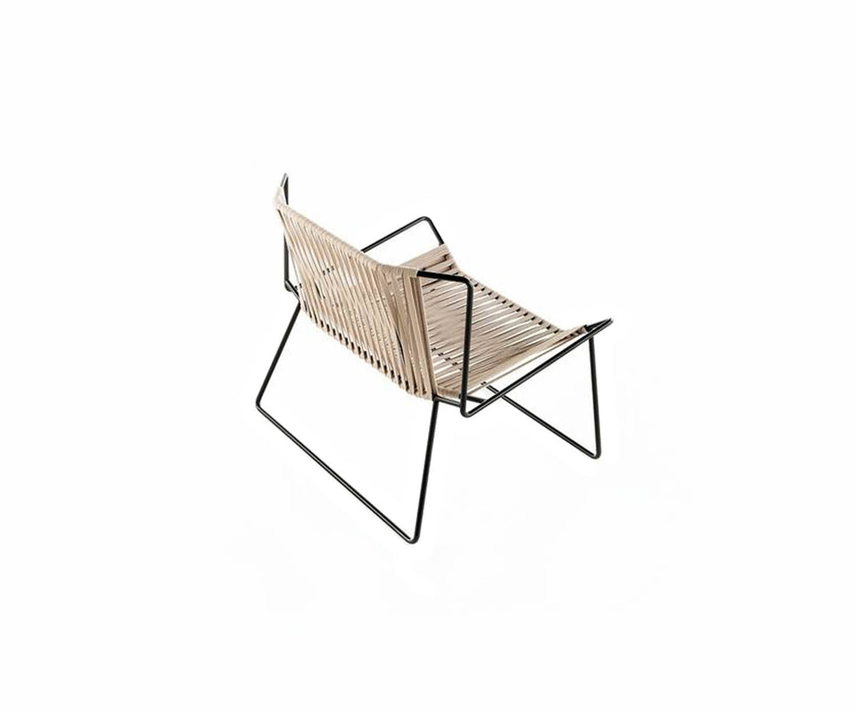 Outline Outdoor Lounge Chair