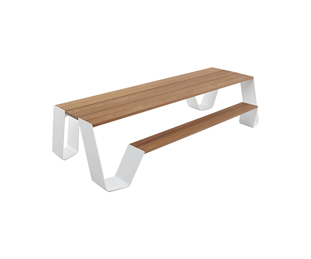 Hopper 360 Dining Table