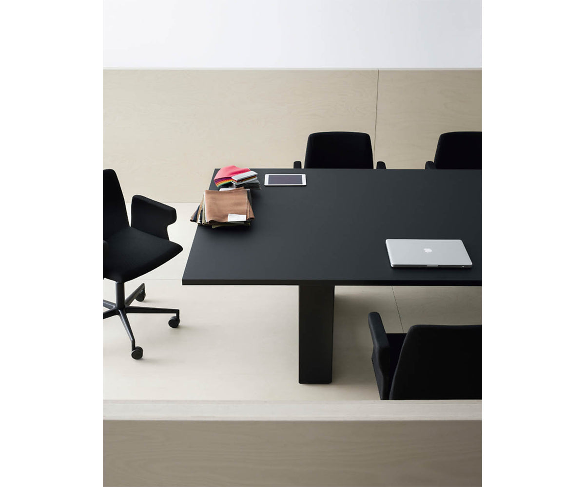 Holo Meeting Table