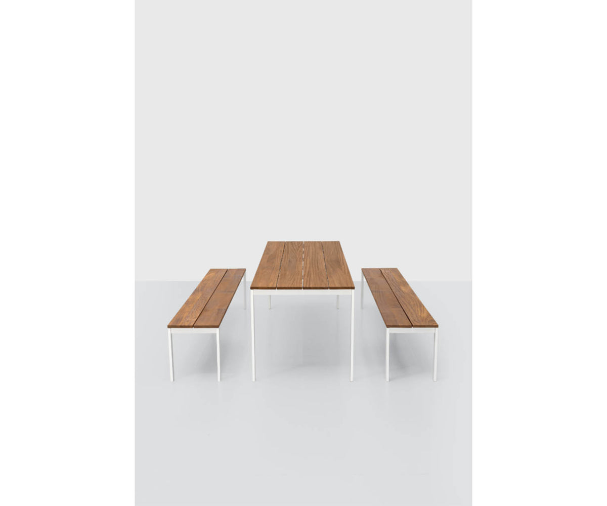 Be-Easy Slatted Dining Table