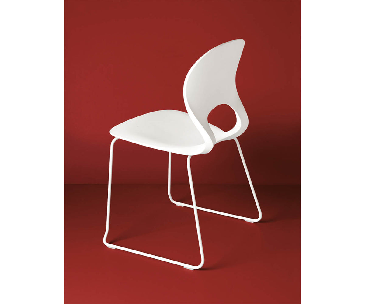 Pikaia Slide Base Chair