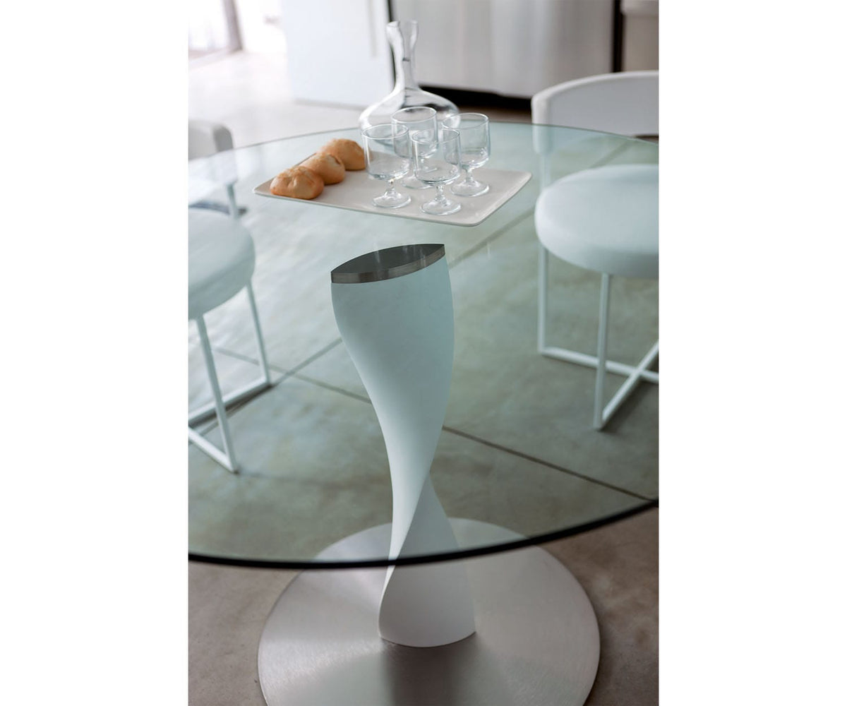 Spin Dining Table Porada