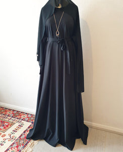Flared Zip and Pockets Closed Abaya Full Set - Black