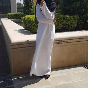Plain White Loose Abaya with Zip