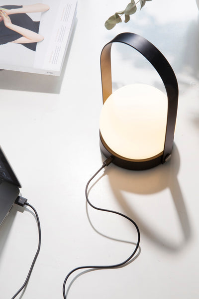 carrie lamp black