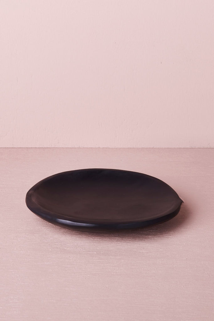 resin dish black
