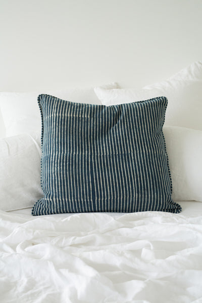 strokes cushion indigo