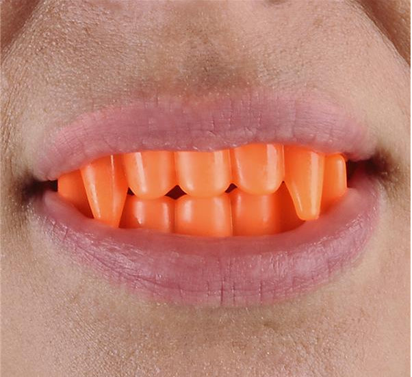 Neon Goofy Teeth