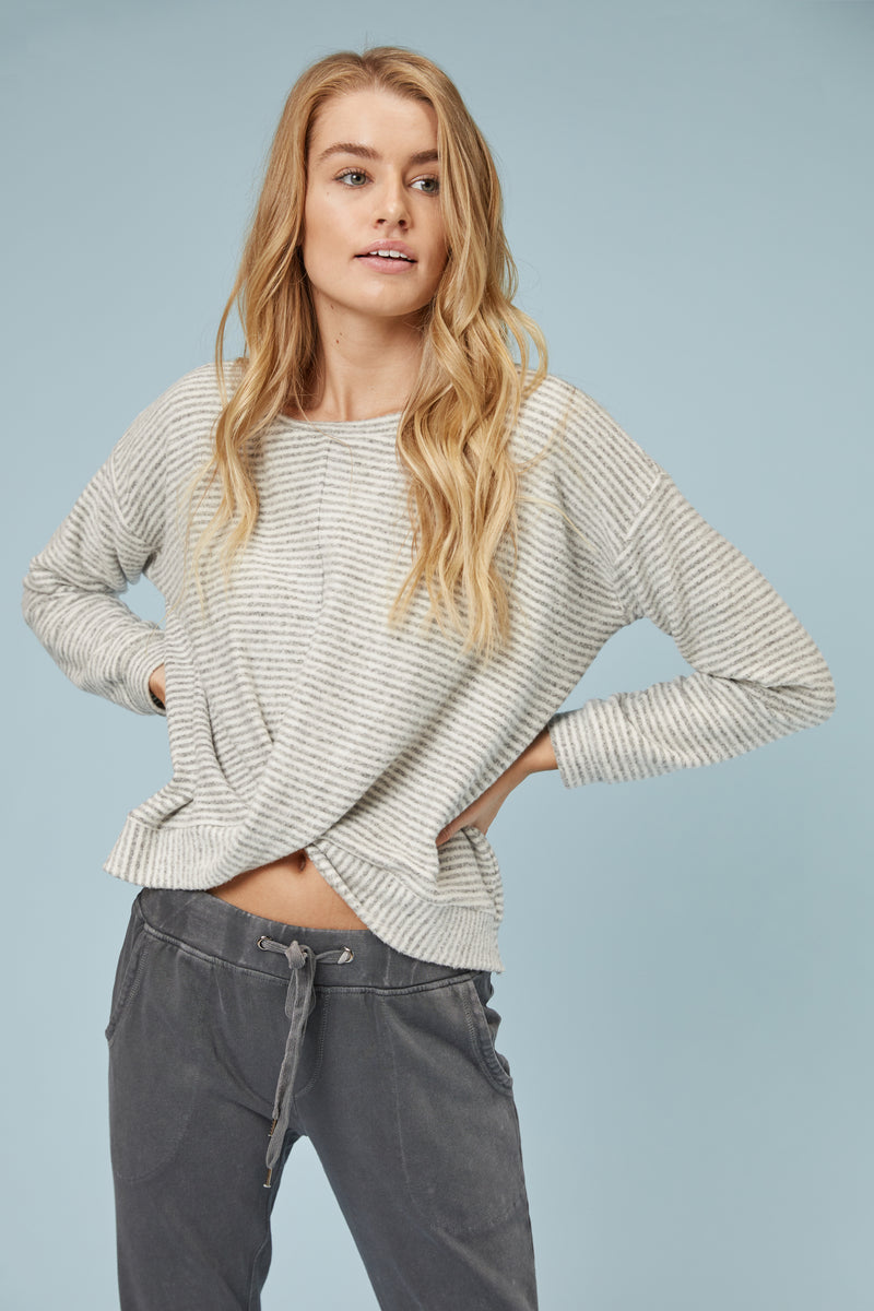 Haci Front Scallop Pullover