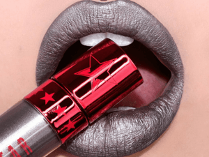 Velour Liquid Lipstick  Restraints