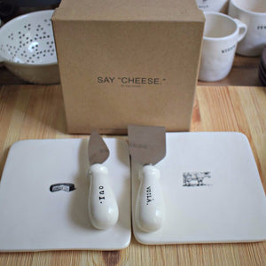"""Say Cheese"" Plates with Cheese Knives in Gift Box - Happy-Go-Cart"