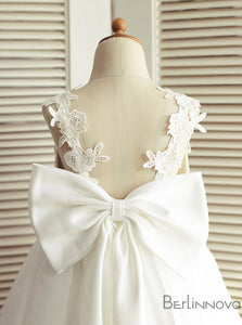 A-Line V-Neck Backless White Flower Girl Dresses with Bow Lace