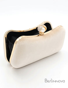 Eye-Catching Imitation Velvet Chain Clutch Bag