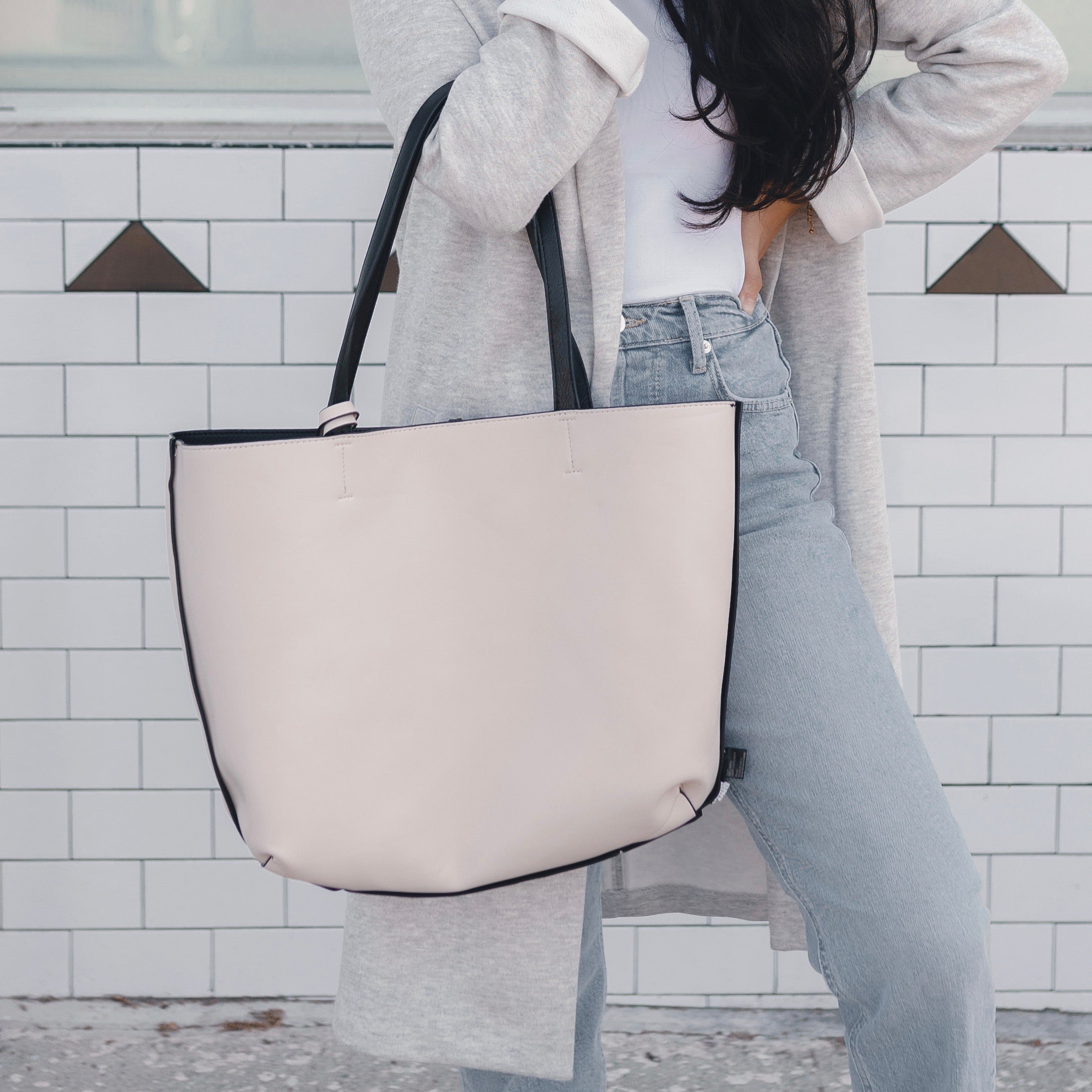 Boss Babe Reversible Tote - Black/Nude