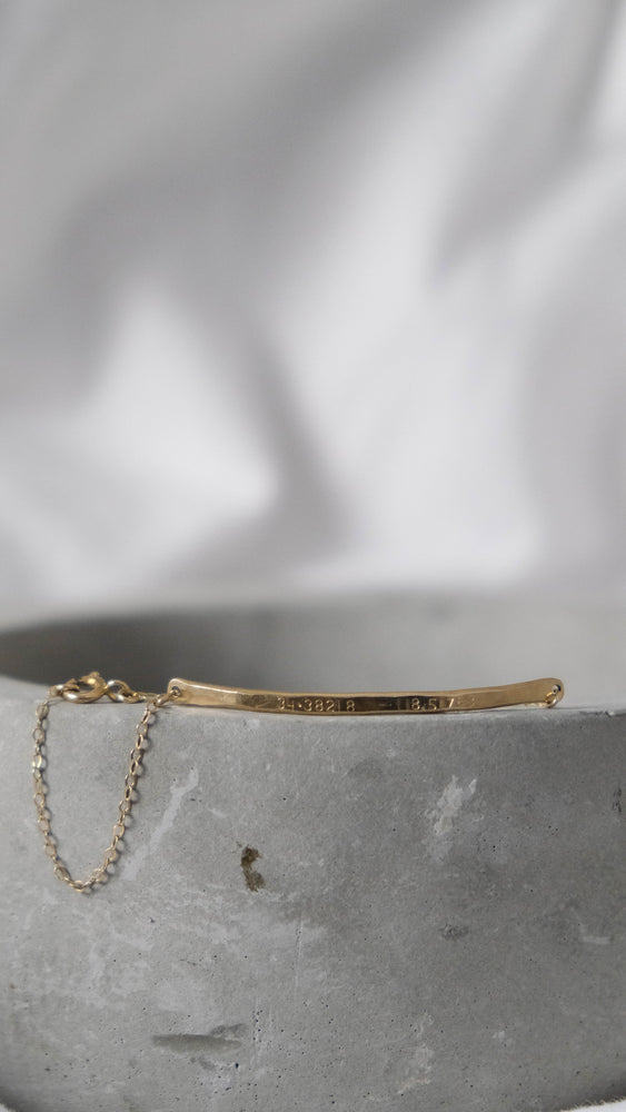 Load image into Gallery viewer, Personalized bar bracelet