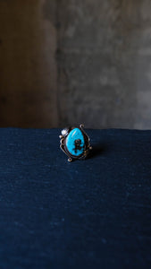 Vintage statement silver and turquoise ring