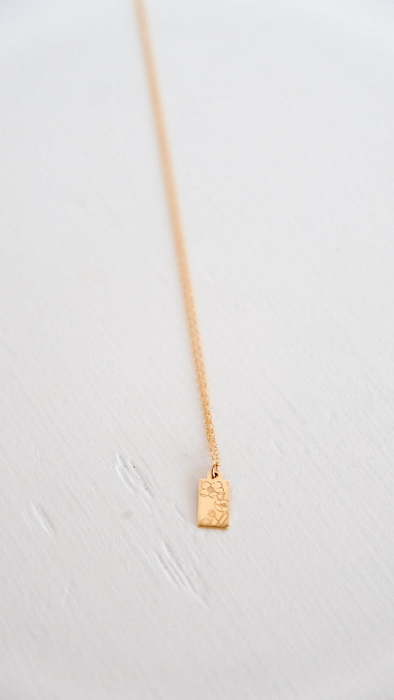 Load image into Gallery viewer, Wildflower gold tag necklace