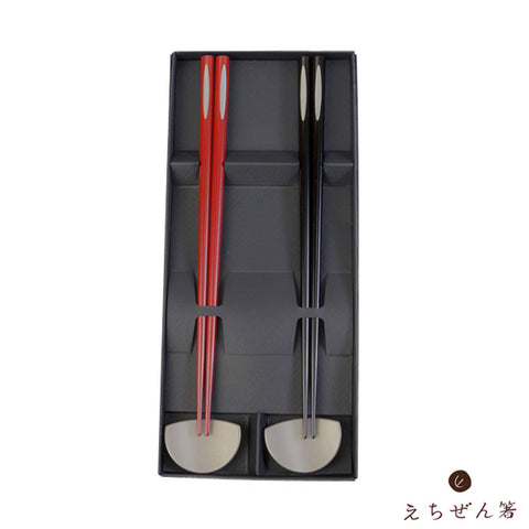 """TSUKINOSHIZUKU"" (Drop of Moon) Meoto-Bashi Chopsticks Set for Married Couples with Rest"