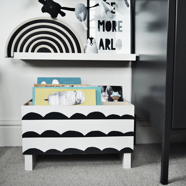 How to upcycle Ikea Moppe for children's book storage
