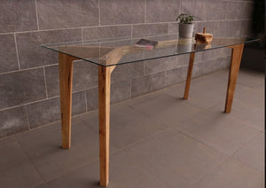 Pita Dining Table