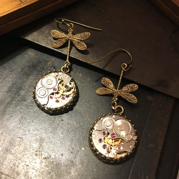Nadine, Medium Dragonfly Earrings - The Victorian Magpie