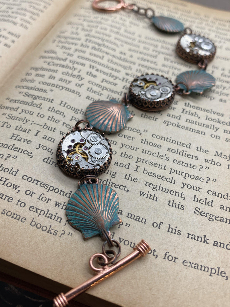 Donna - Shell Bracelet - The Victorian Magpie