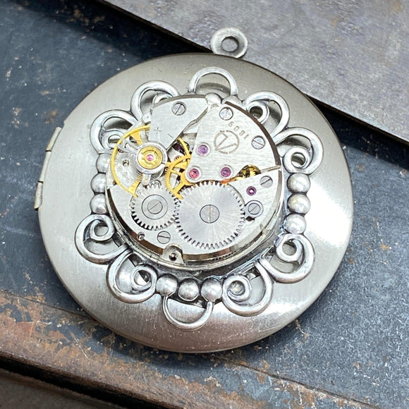 Ashley, Round Filigree Locket Silver - The Victorian Magpie