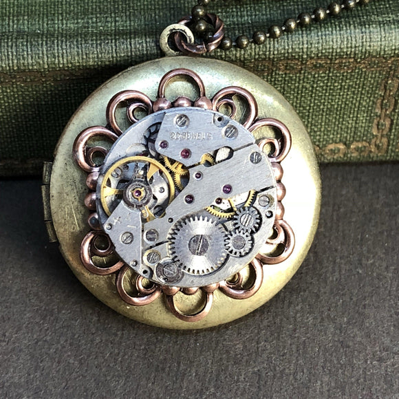 Ashley, Round Filigree Locket