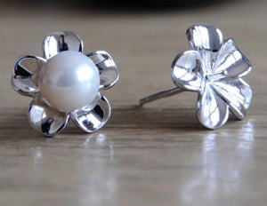 NEW Blossom Pearl Studs
