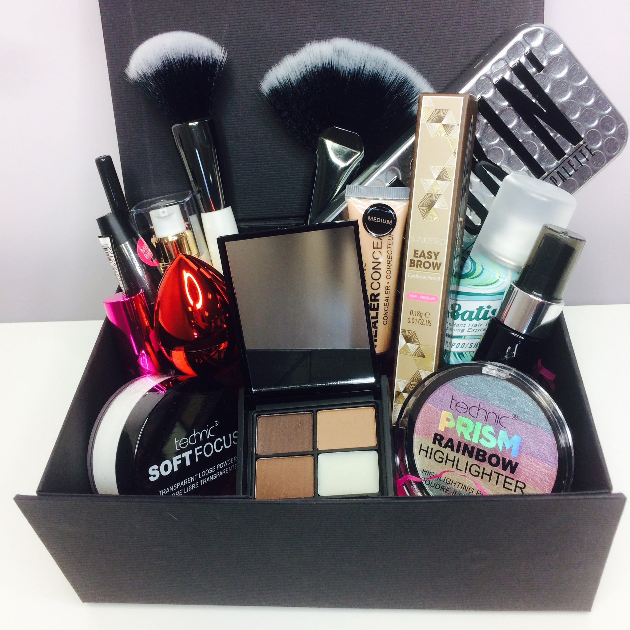Love Beauty Monthly Makeup Addict Beauty Box