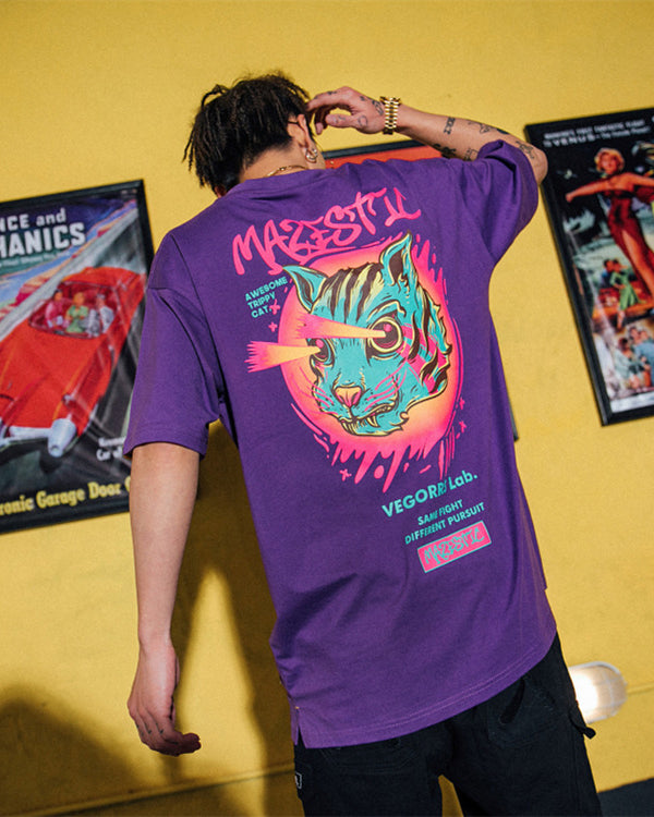 Mazestic Awesome Trippy Cat Graphic Tee Shirt