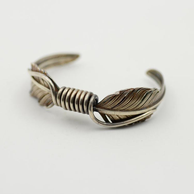 Silver KAZEKIRI Feather Bangle Bracelet