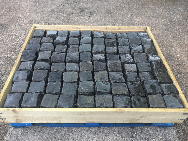 Reclaimed Black Granite Cobbles-Random Stone Setts