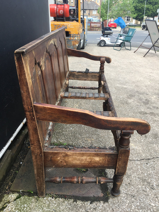 Antique Oak High Back Coaching Style Settle Needs Restoring