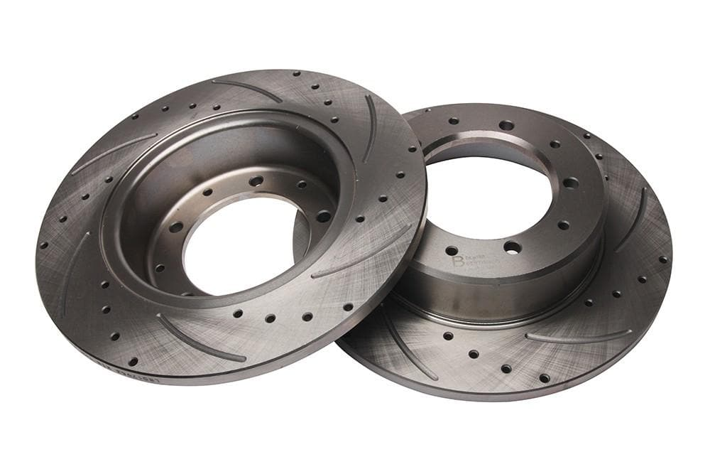 Bearmach Rear Drilled & Grooved Brake Discs (Pair) for Defender 90, Discovery 1, RRC | BA 9605