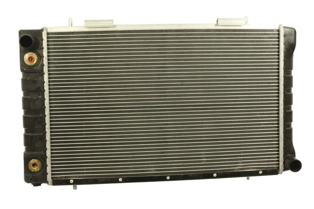 Bearmach Radiator for Land Rover Defender | BR 2215R