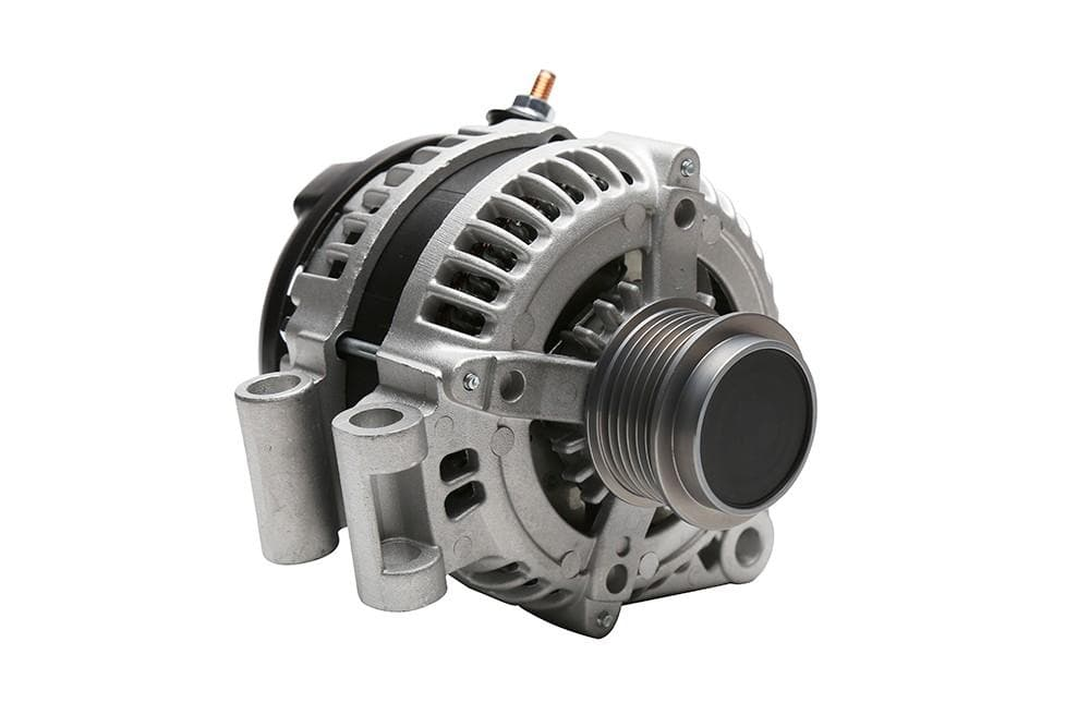 Bearmach Alternator for Land Rover Discovery | LR013843