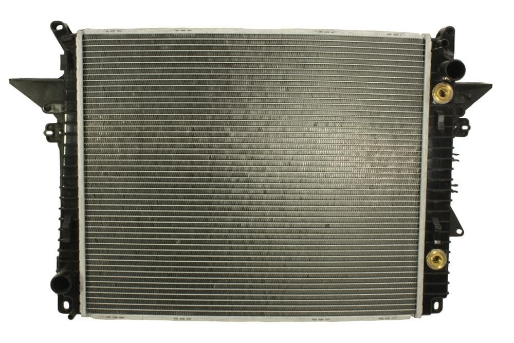 Bearmach Radiator for Land Rover Discovery, Range Rover | LR021778