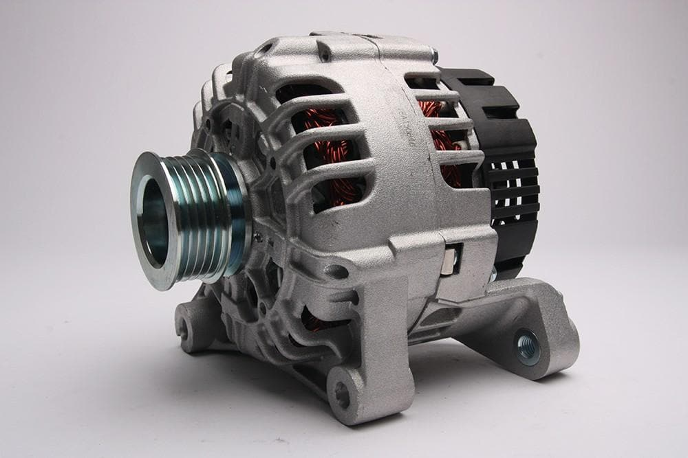 Bearmach Alternator for Land Rover Freelander | YLE102500L