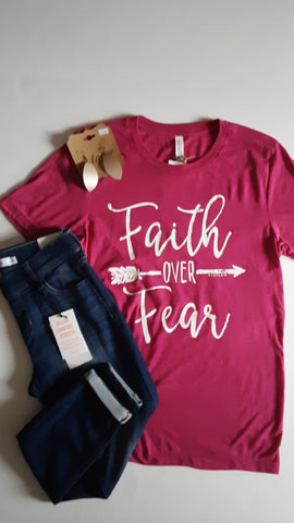 Faith Over Fear Graphic Tee in Berry