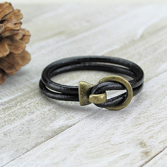 Open Hook Clasp Leather Bracelet in Black