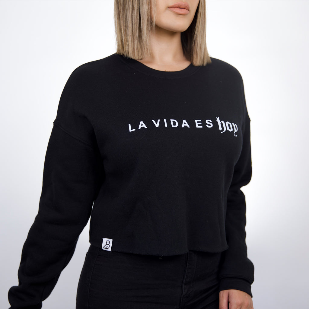 'La Vida Es Hoy' Black Cropped Fleece Sweatshirt
