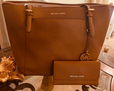 Michael Kors Large Ciara Leather  Zippered Tote Set